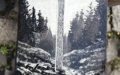 Tablica dekoracyjna z krzyżem